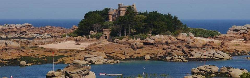 Organisée conjointement par la SGF Jeunes, Gaïa (Univ. Brest) et GéoContact (Univ. Rennes), l'édition 2016 aura lieu du 23 au 26 juin sur l'île Grande (Pleumeur-Bodou), sur la côte de Granit Rose.