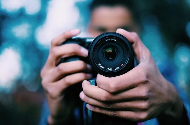 photographer 698908 641